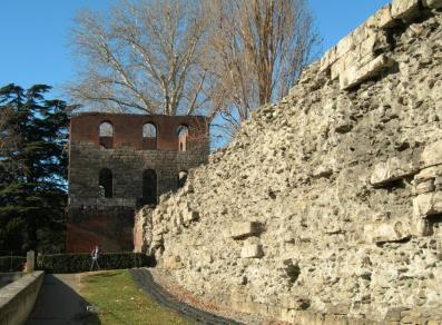 Tour Pailleron and the roman city walls
